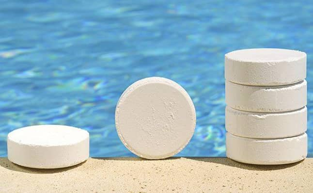 Tablet chlorine for swimming pools